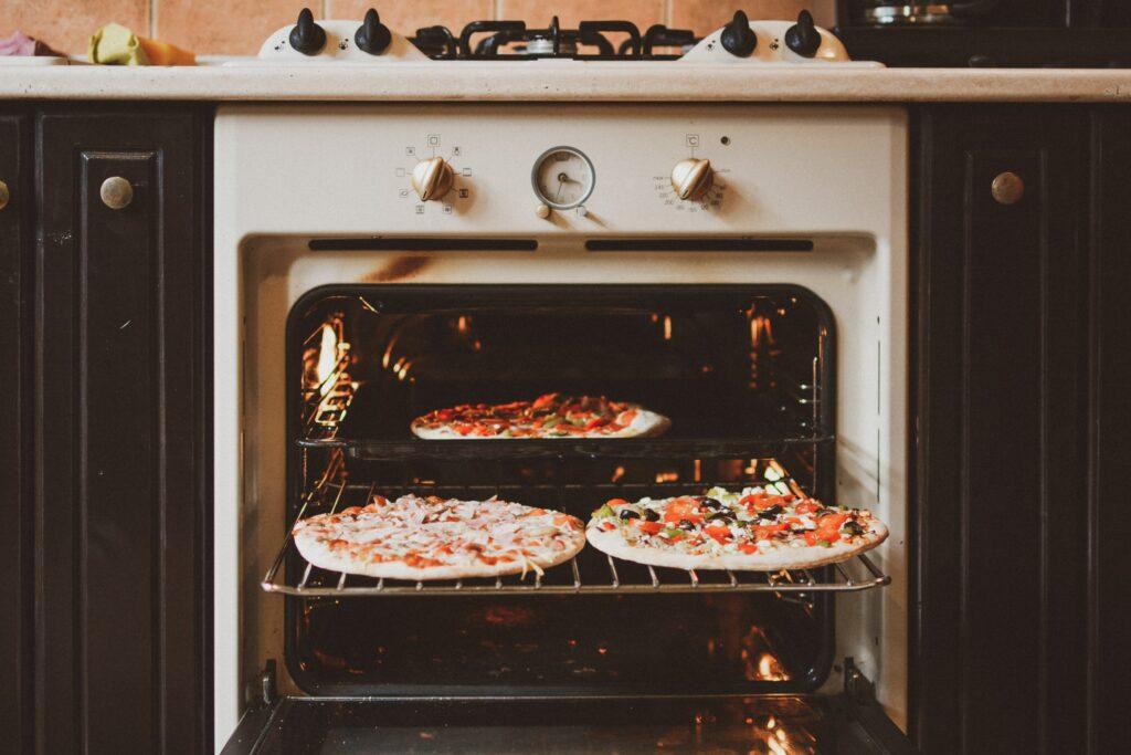 four avec pizzas