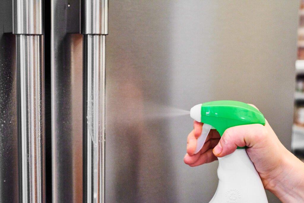 comment nettoyer son frigo à l'exterieur